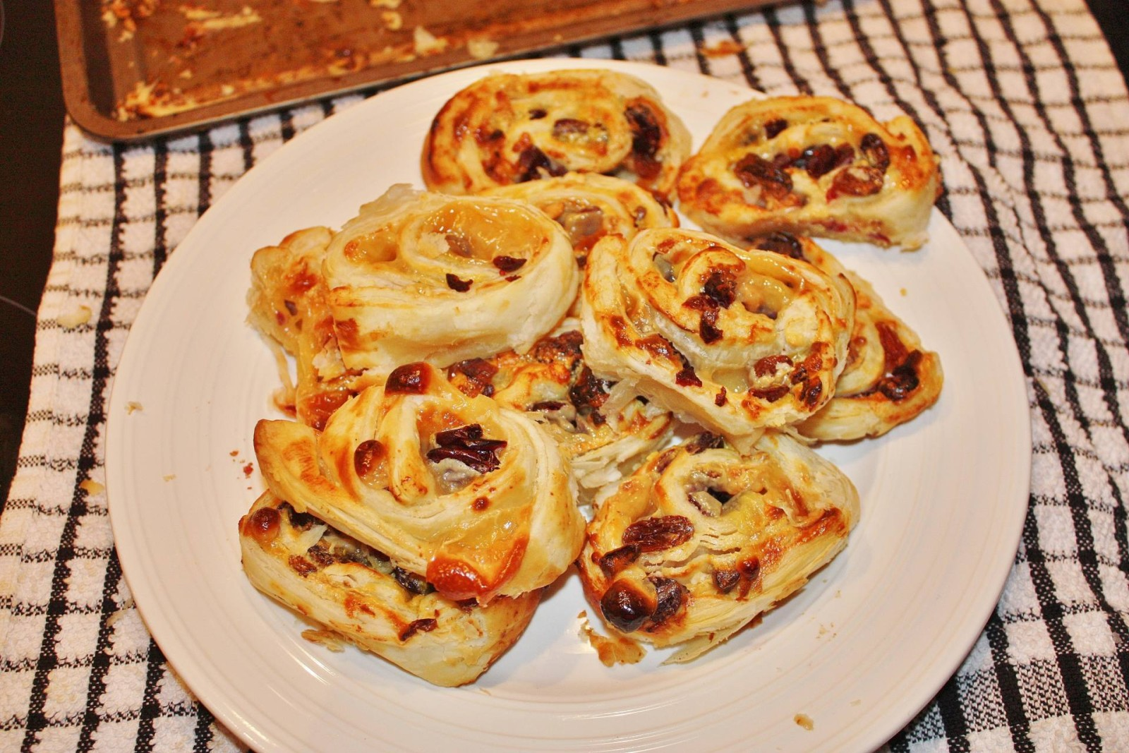 Brie and cranberry pinwheel14