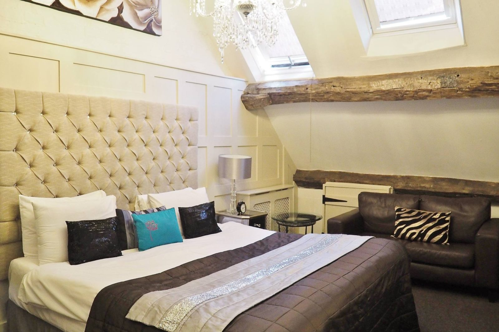 Netherstow-House-Lichfield-Penthouse-Suite-St-Chad