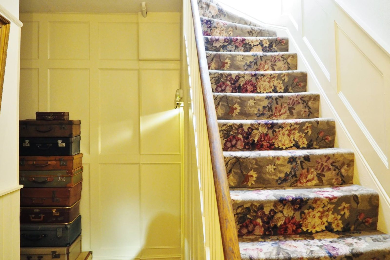 Netherstow-House-Lichfield-Stairs