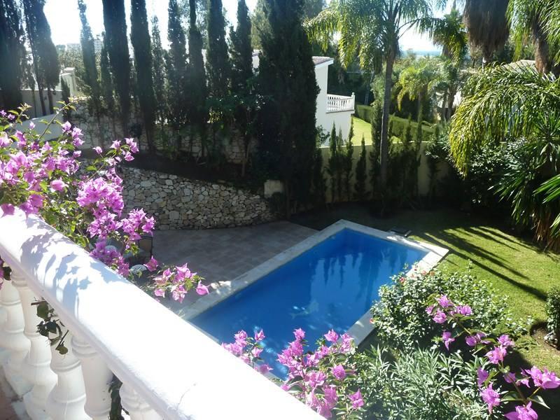 Villa-Maxine-Marbella-Emma-Victoria-Stokes-Clickstay-Style-Your-Way-To-Spain