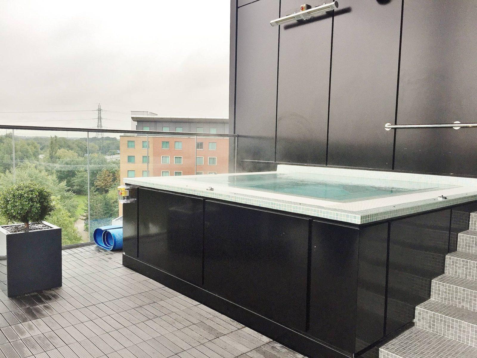 Santai Spa Hot Tub