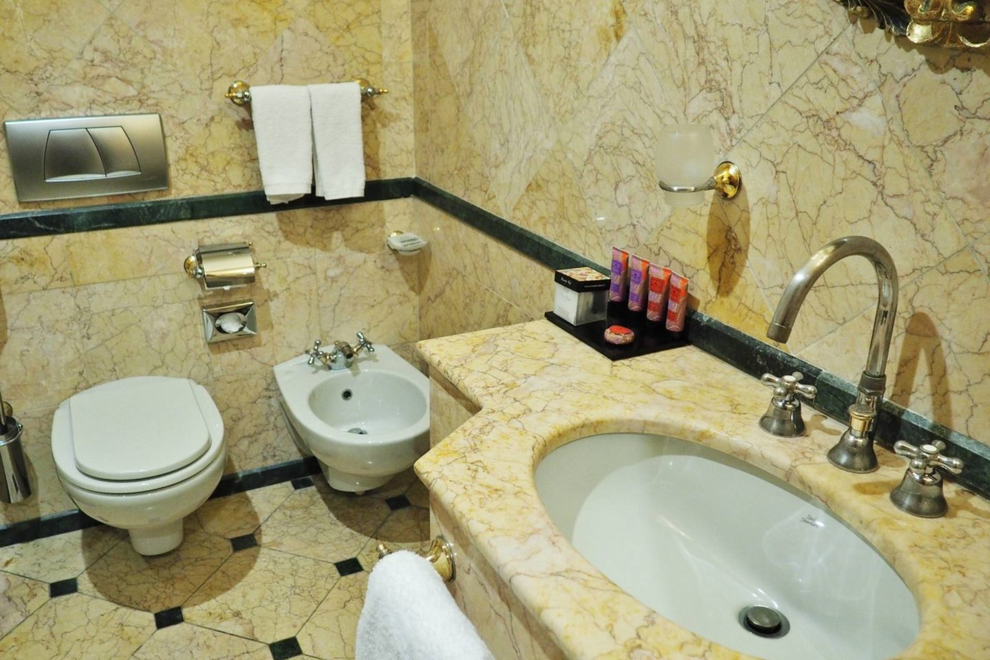 Emma Victoria Stokes River Palace Hotel Rome Double Room Bathroom