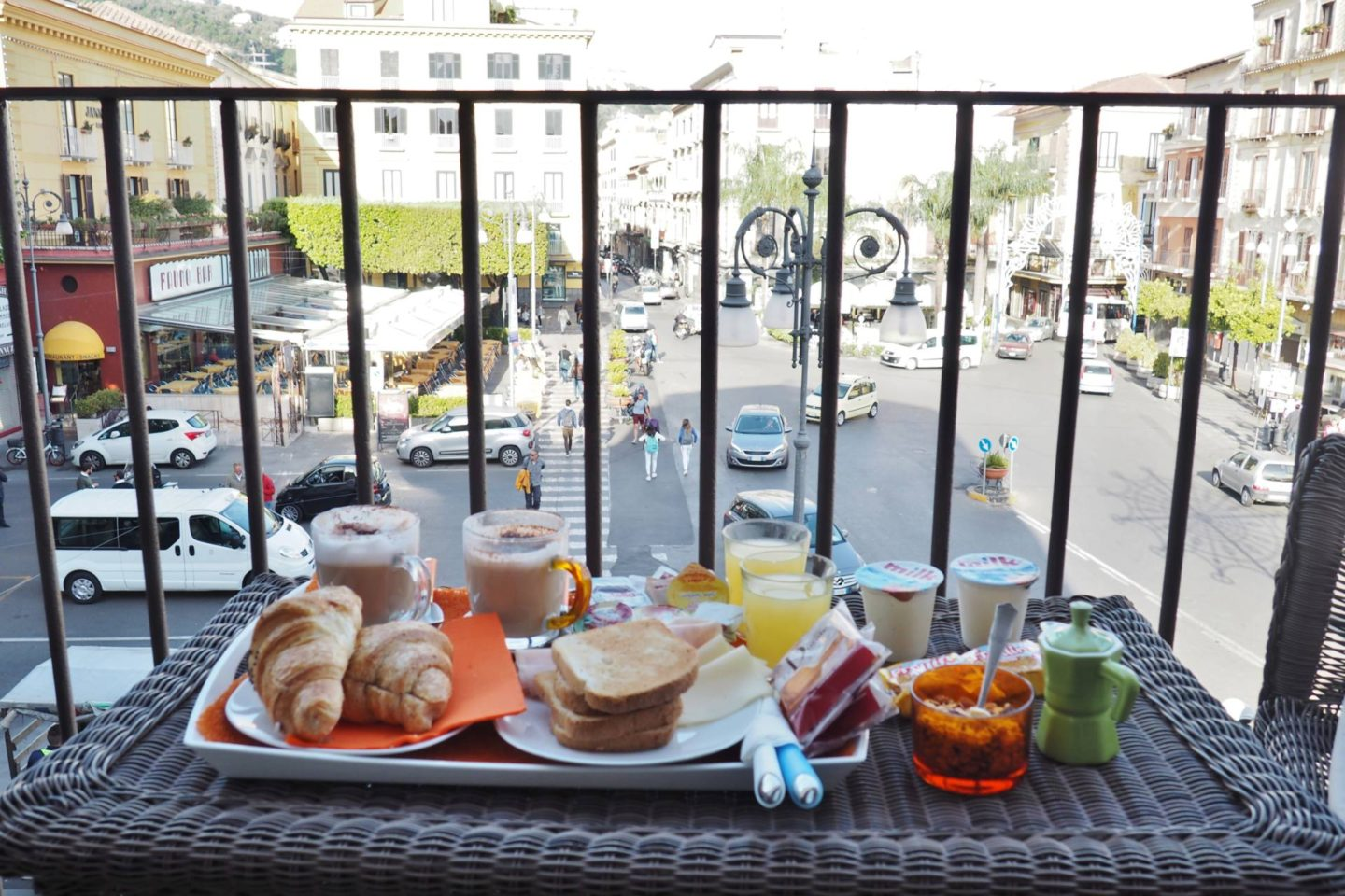 Emma Victoria Stokes Sorrento Main Square Piazza Tasso B&B Breakfast