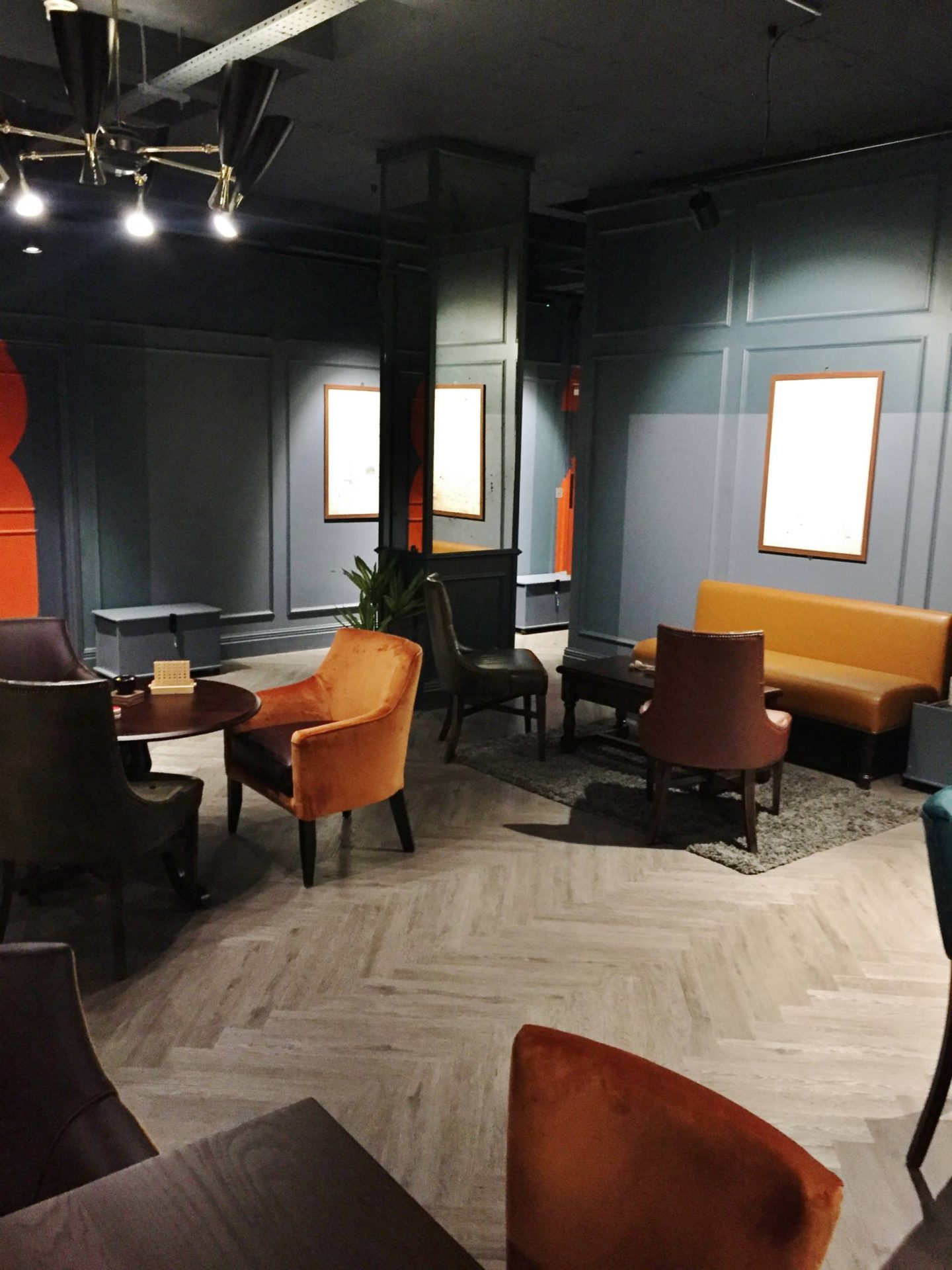 Escape Hunt Birmingham Chairs Sitting Area