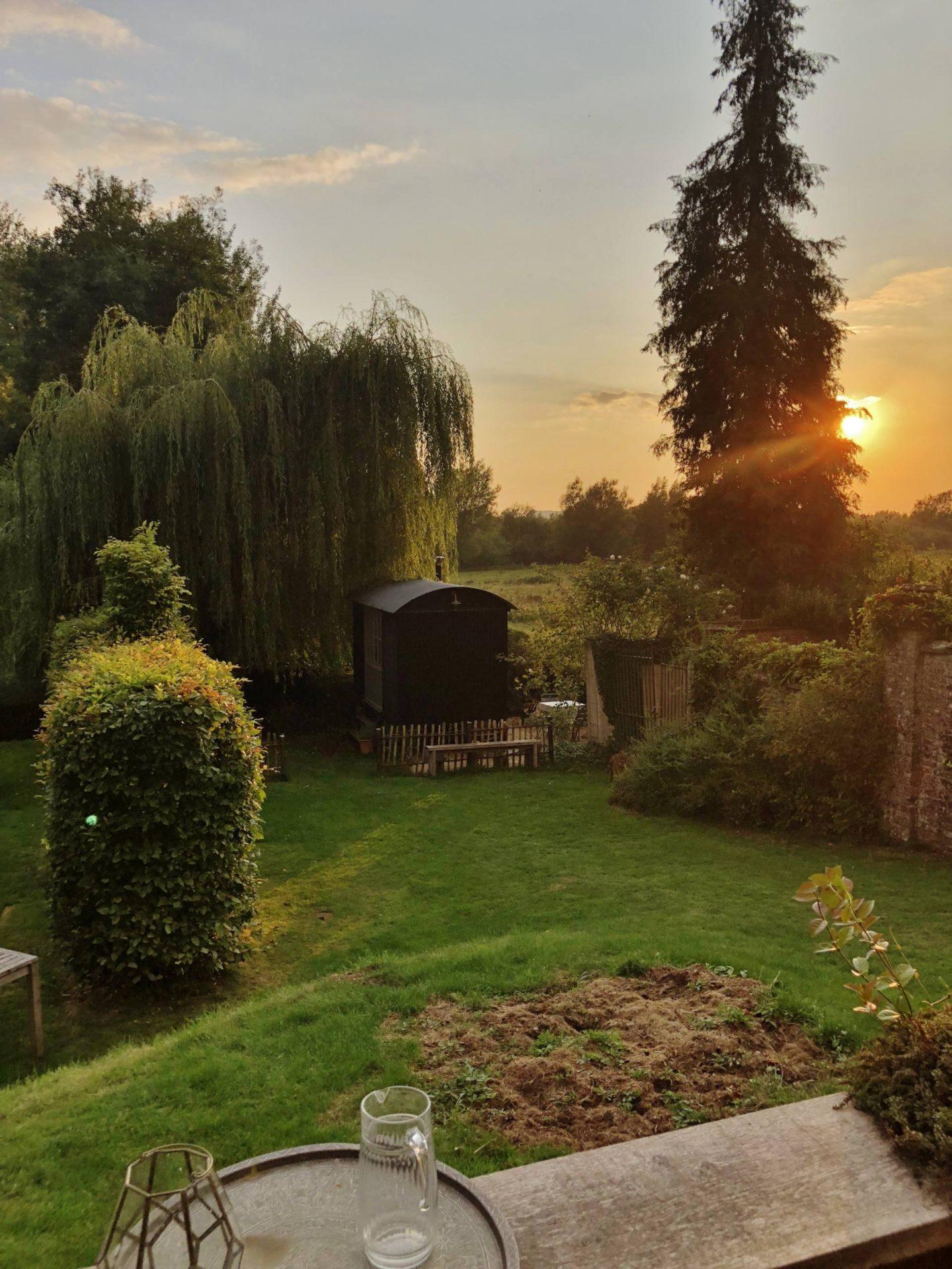Shepherd's Hut Salisbury Sunset Getaway