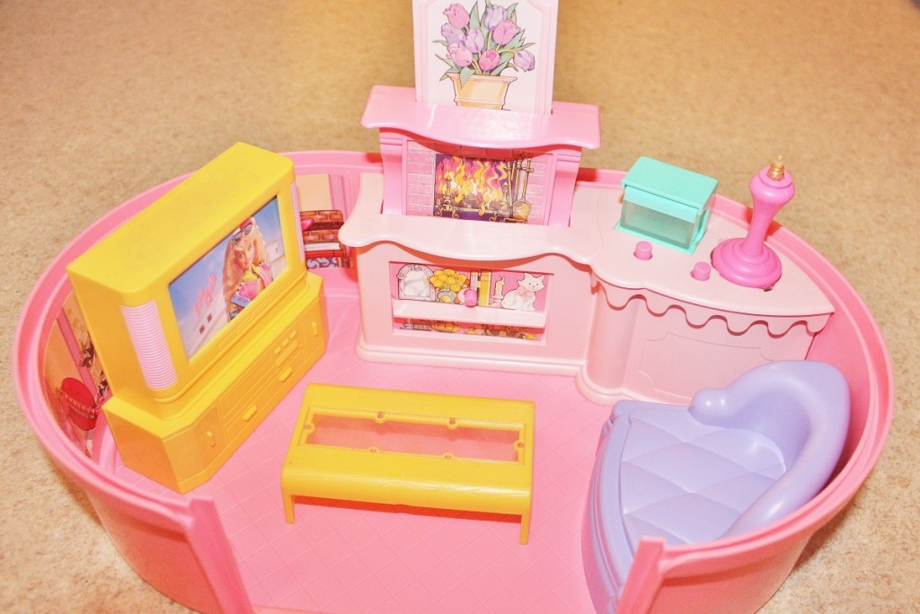 90's Barbie Box Inside