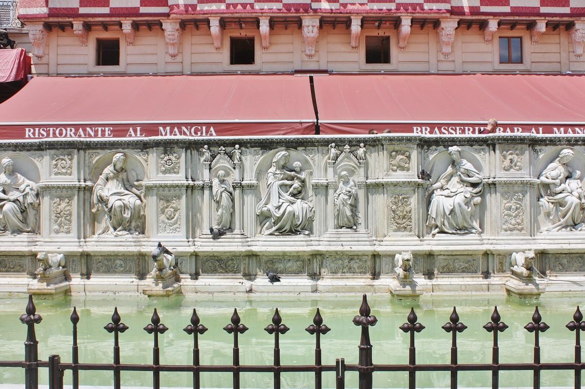 Emma Victoria Stokes Siena Fountain