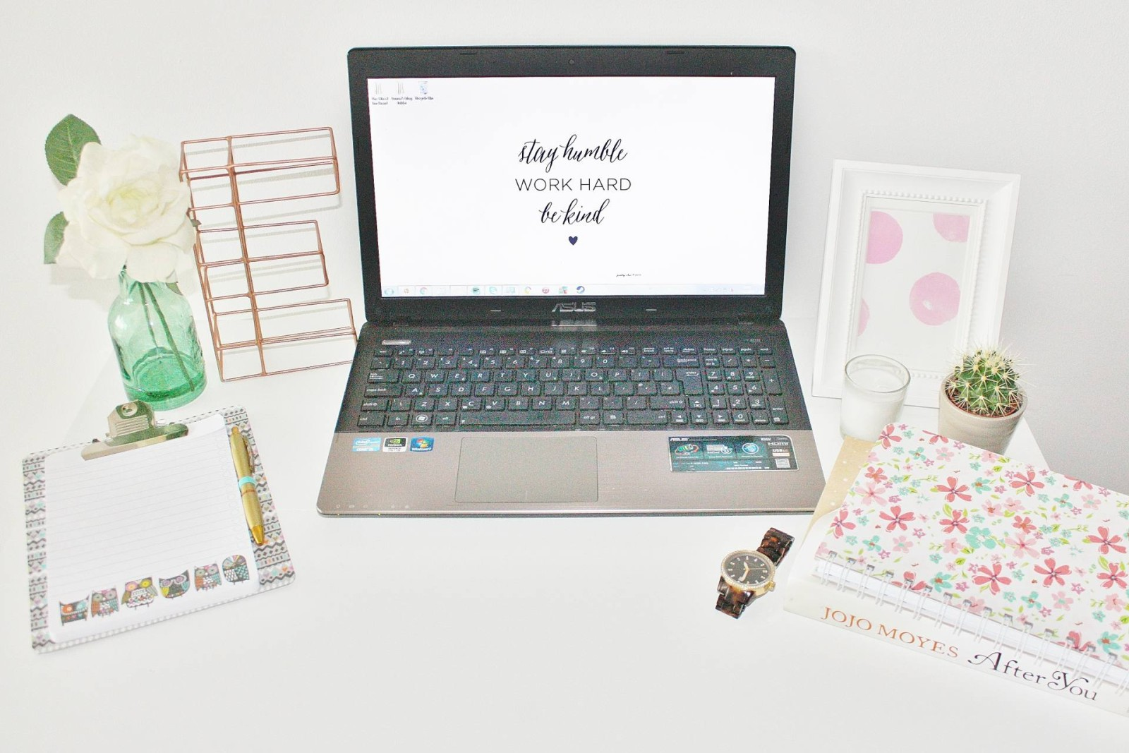 Emma Victoria Stokes Desk Job Blog