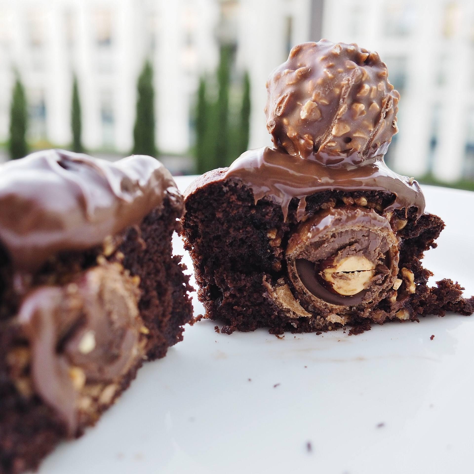 Fererro Roche Cupcakes Review