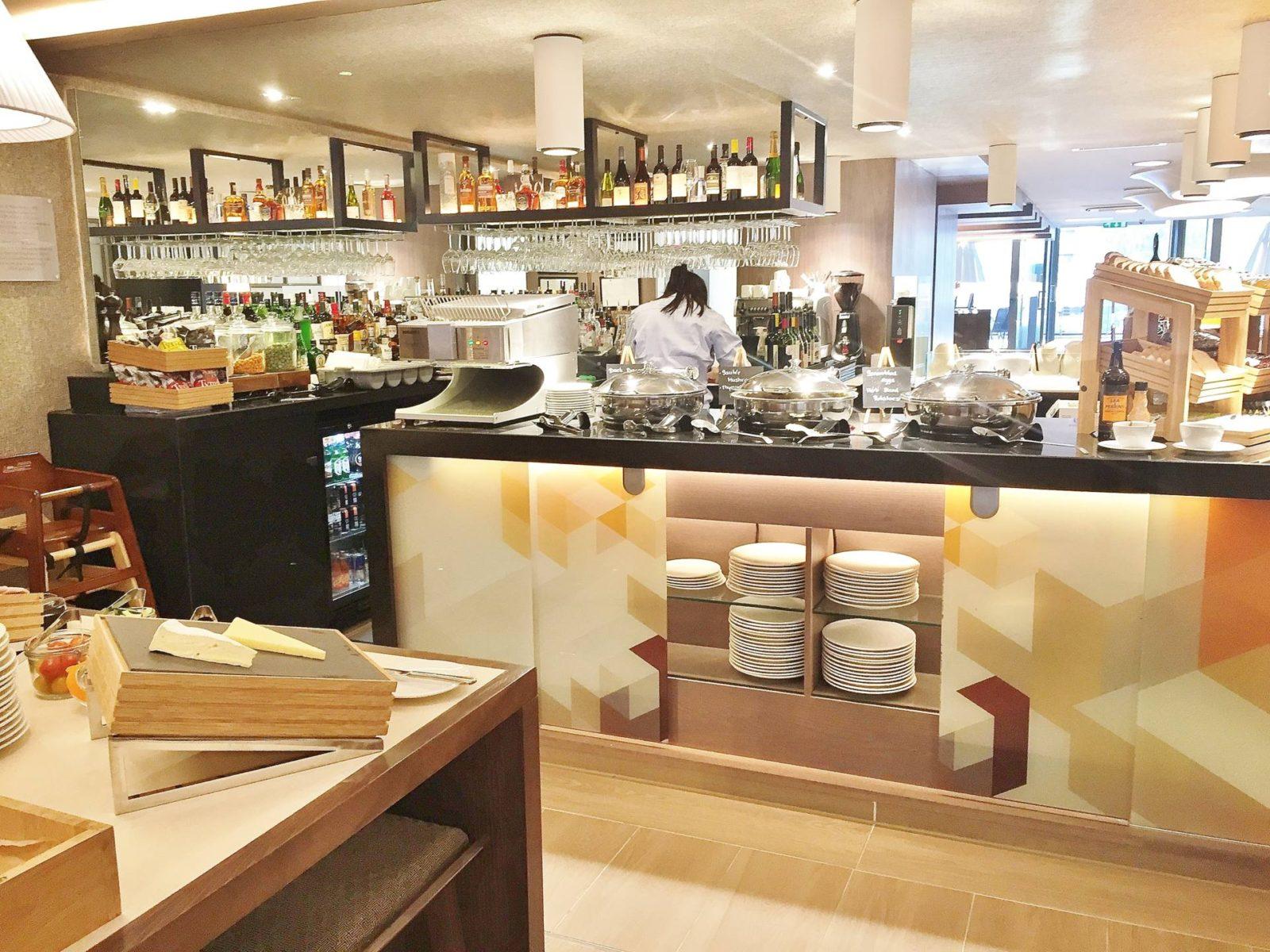 Emma Victoria Stokes AC Hotels Marriott Bar