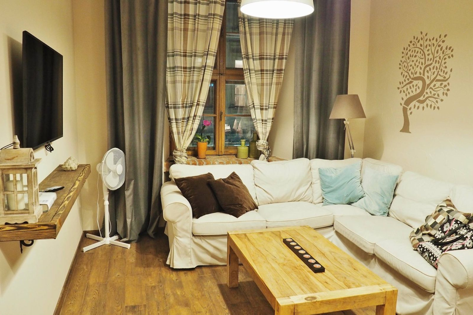 Emma Victoria Stokes Krakow Old Town Apartment