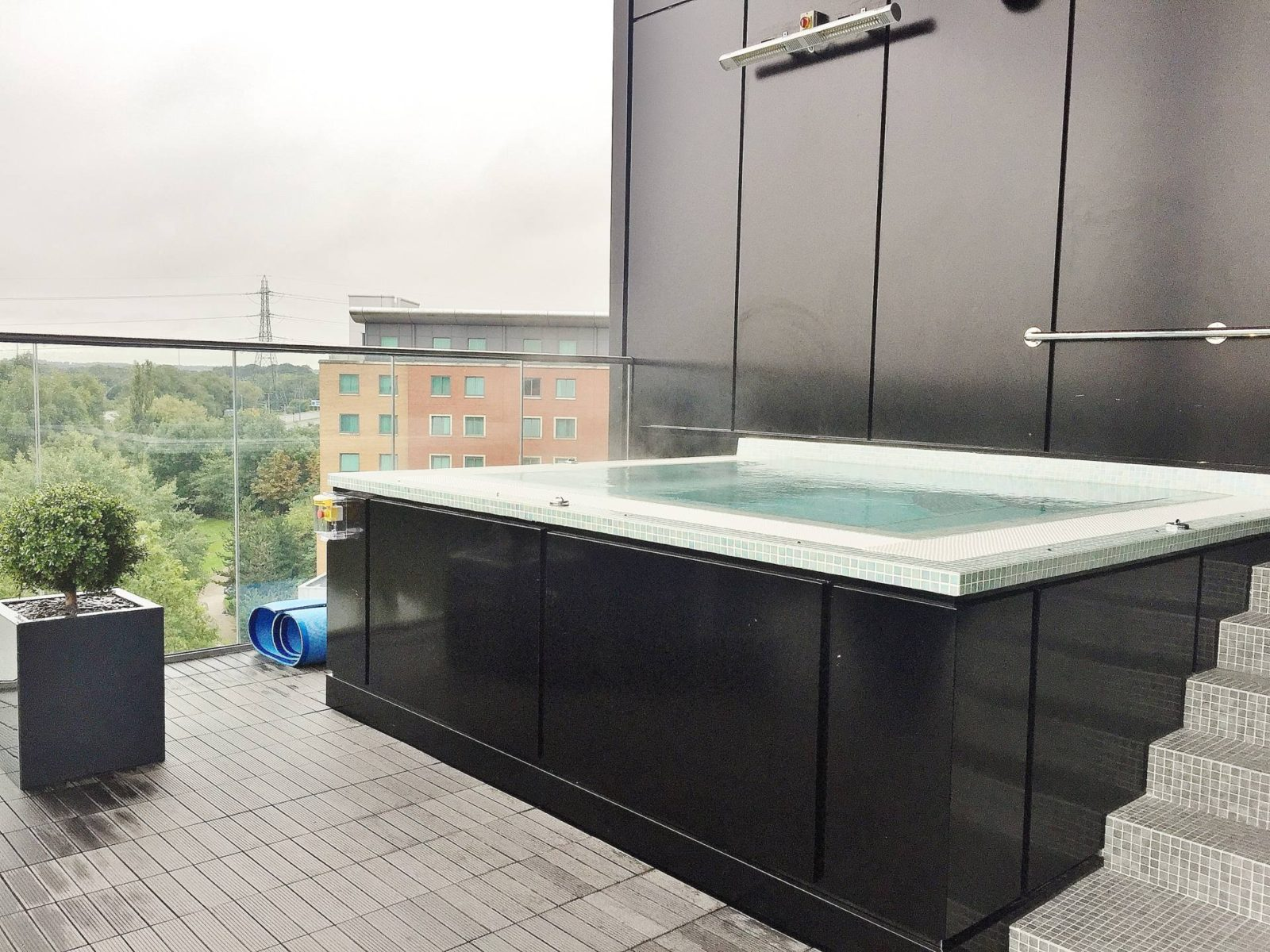 Santai Spa Hot Tub