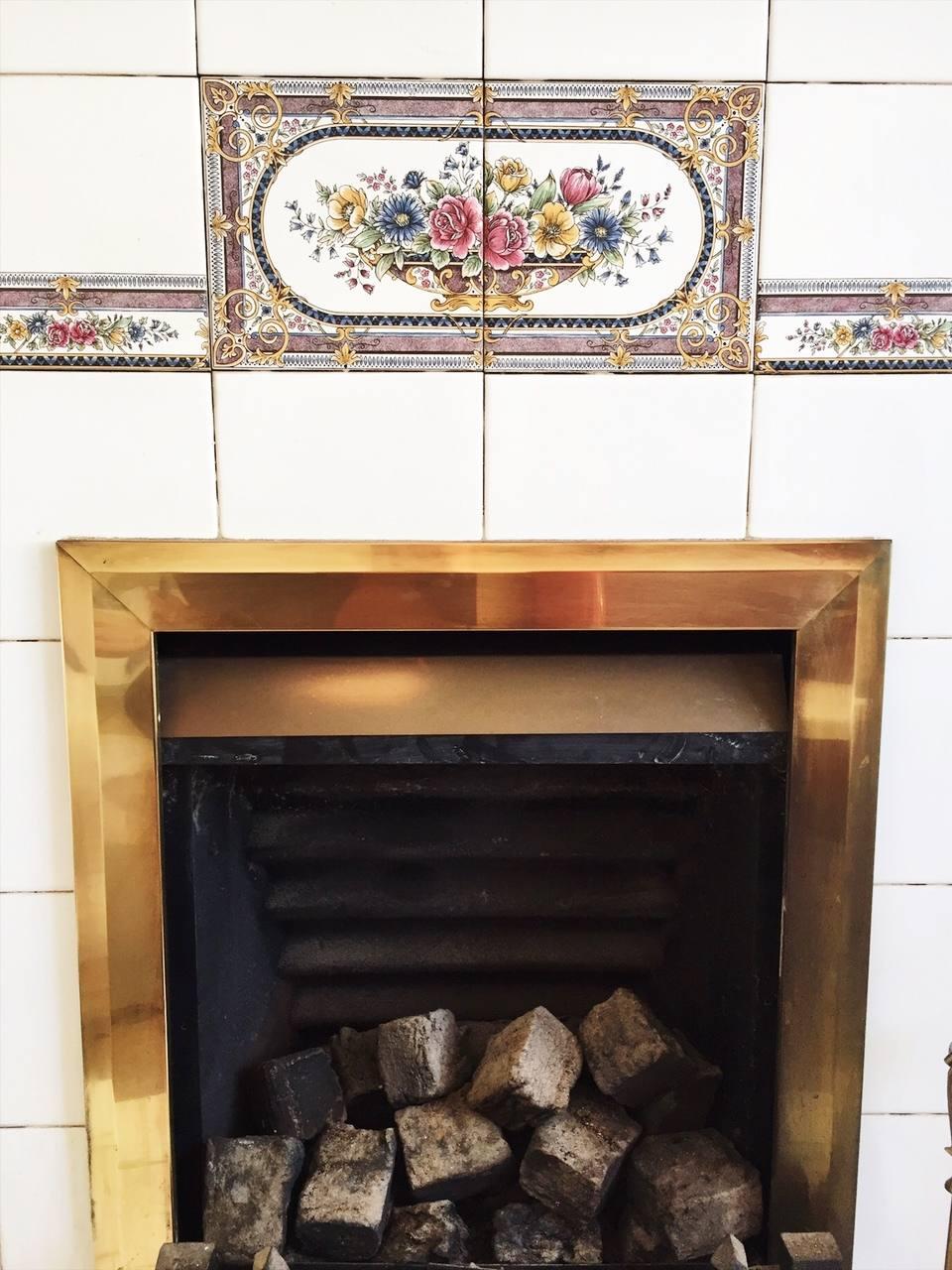 Emma Victoria Stokes Bidvine Review Fire Place Floral
