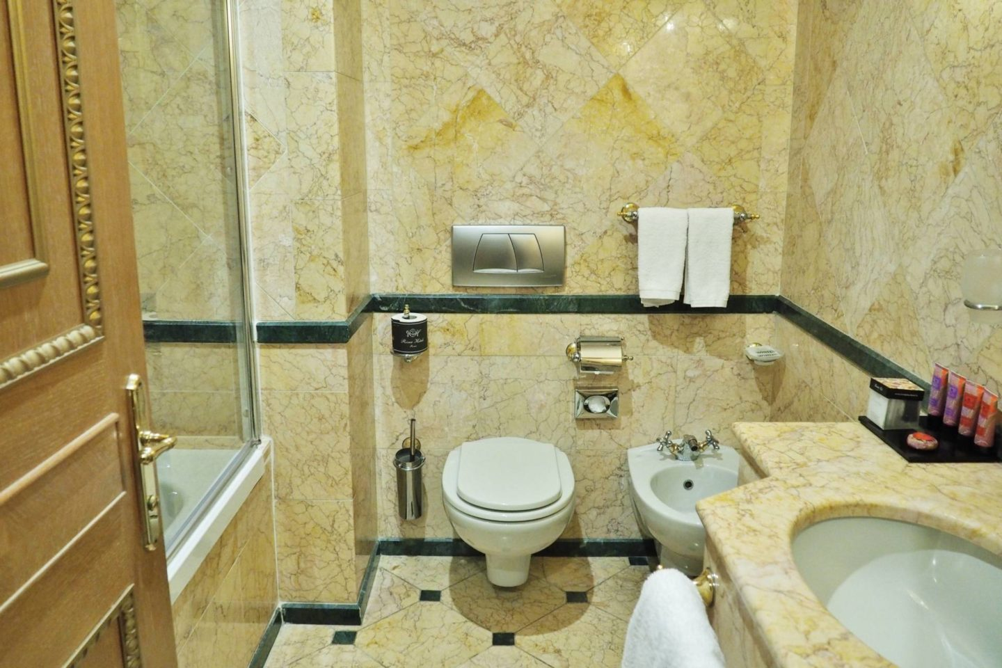 Emma Victoria Stokes River Palace Hotel Rome Double Room Bathroom Toilet