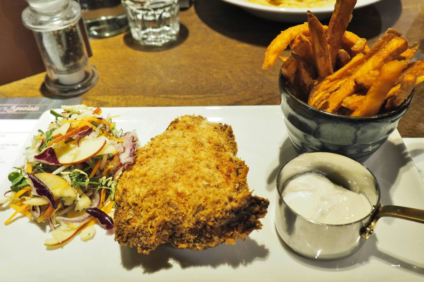 The White Swan Edgbaston Breaded Buttermilk & Rosemary Chicken Burger