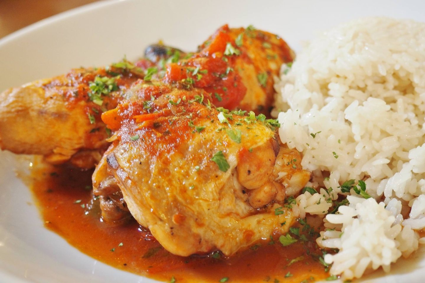 POULET BASQUAISE £13.50 Chicken served with tomatoes, peppers and olives, pilaf rice