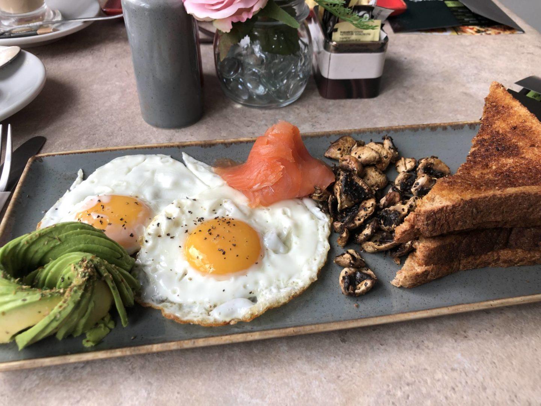 JQ Breakfast Eggs Royale