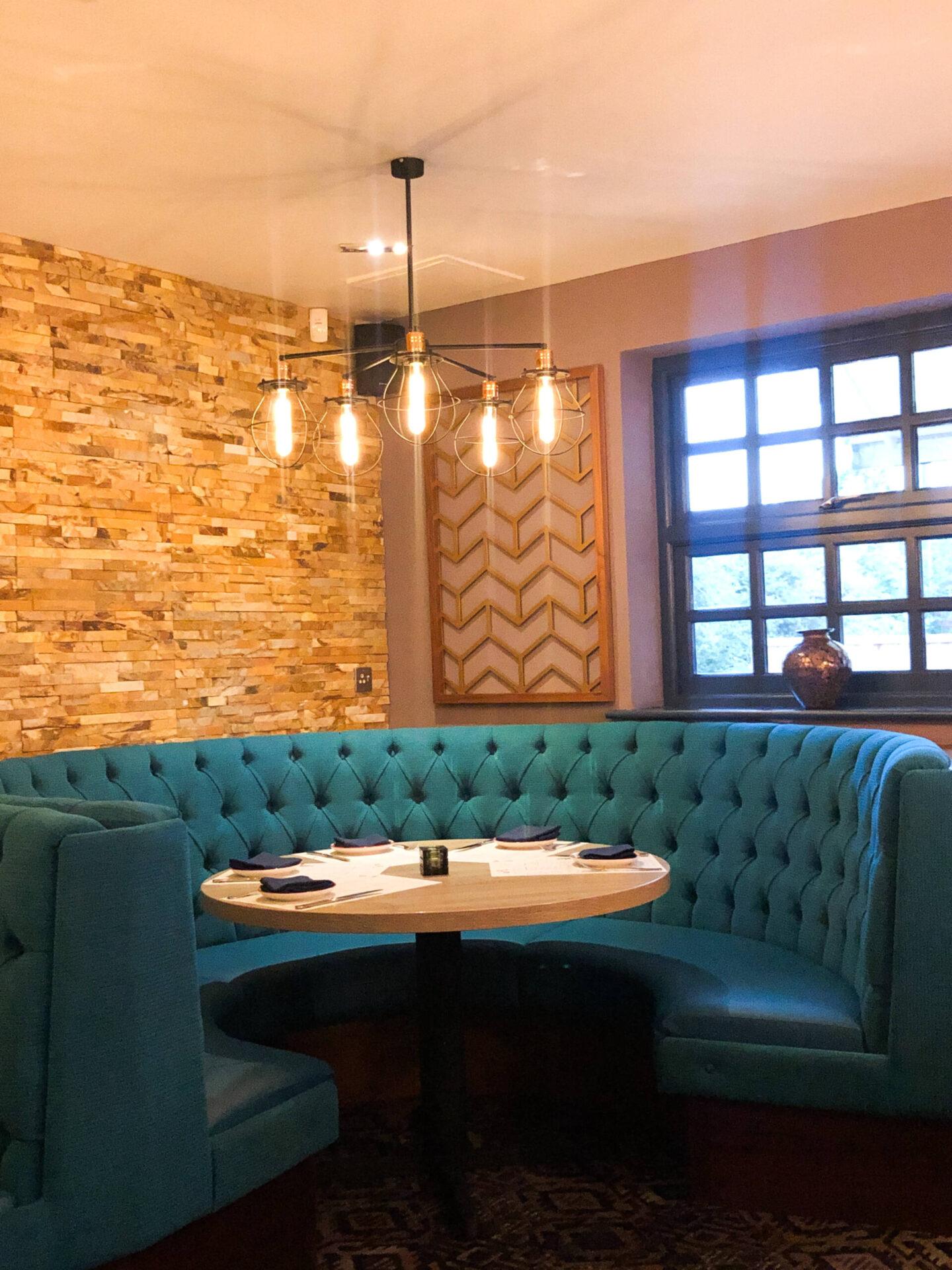 Entouraj - Droitwich Indian Restaurant Booth